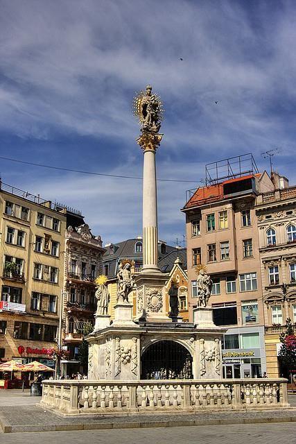 náměstí svobody - morový sloup - Brno - česká republika