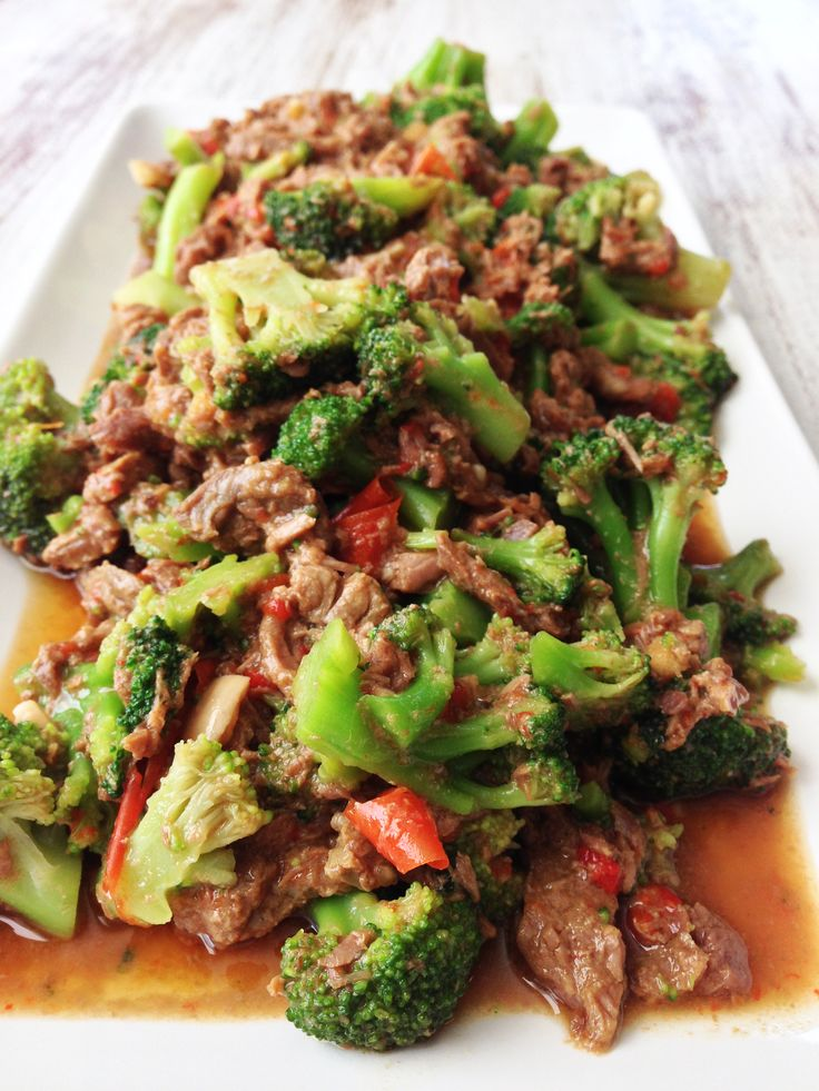 Slow cooker beef & broccoli. Yummy! Add a bit of Thai red and yellow curry pastes for extra flavour!
