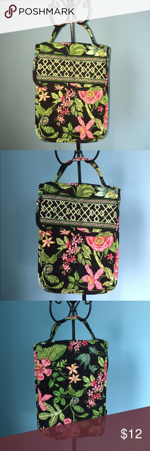 """RETIRED Vera Bradley Botanica out to Lunch Bag RETIRED Vera Bradley Botanica out to Lunch Bag  Vera Bradley Botanica out to Lunch Bag Wallet Retired Jan 2007 - Jul 2008  Dimensions - 10""""x7""""x  5""""approx   2 inside pockets one for cold!  And Heavy Duty Velcro Closure. Vera Bradley Bags"""