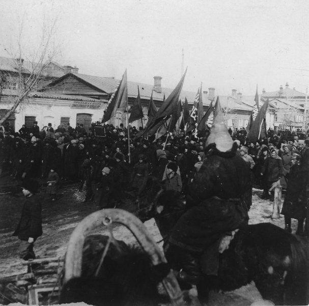 La Guardia Roja, noviembre de 1917, Chita.  El poder soviético en Chita se estableció en febrero de 1918.  Guardia Roja - Las fuerzas armadas voluntarias, crear organizaciones del Partido territoriales del POSDR (b) para la puesta en práctica de la revolución de 1917 en Rusia, la principal forma de organización militar de los bolcheviques durante la preparación y ejecución de la revolución de octubre y los primeros meses de la Guerra Civil.