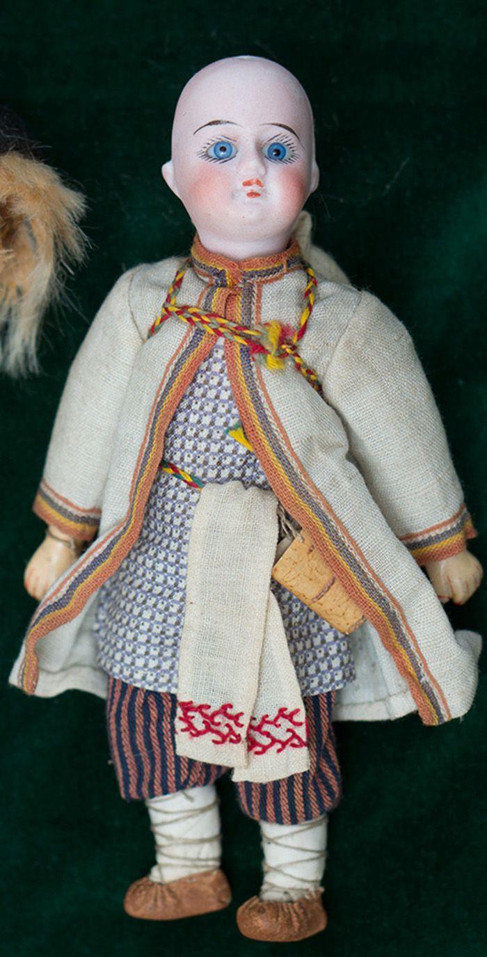 Кукла-мальчик русском в русском из Бартрамовских мастерских - на сайте антикварных кукол.