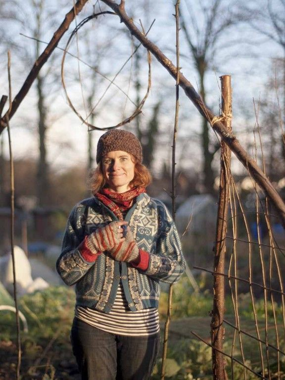 The Fine Art of Fitching (weaving your own willow supports) with Alys Fowler | intoGardens