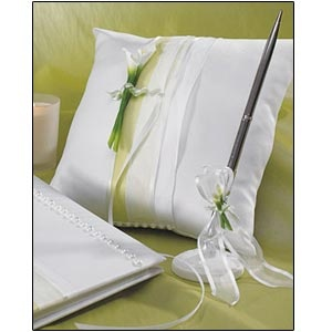 store bridal beauty calla lily square ring pillow