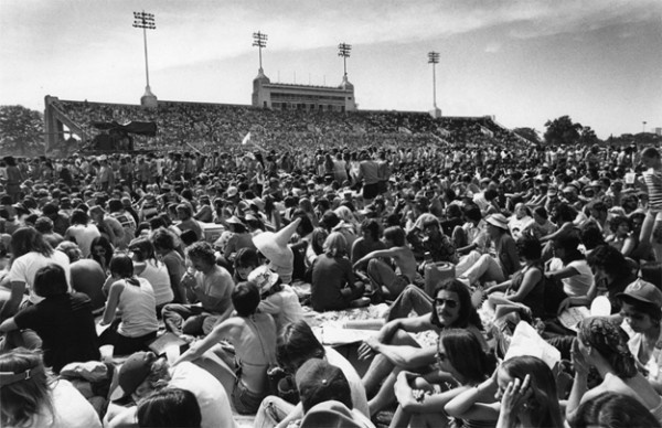 Today, we bid farewell to UH's Robertson Stadium. Here's a look back at the storied venue: http://blog.chron.com/bayoucityhistory/2012/11/say-a-farewell-to-storied-robertson-stadium/#