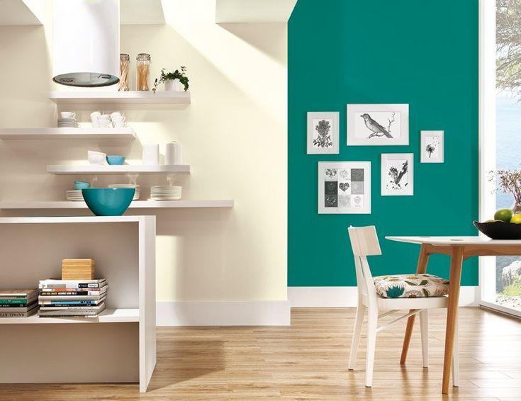 Ściana w zielono-niebieskim odcieniu