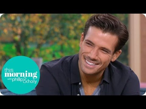 Danny Mac & Oti Mabuse Cha Cha to 'Cake By The Ocean' - Strictly Come Dancing 2016: Week 1 - YouTube