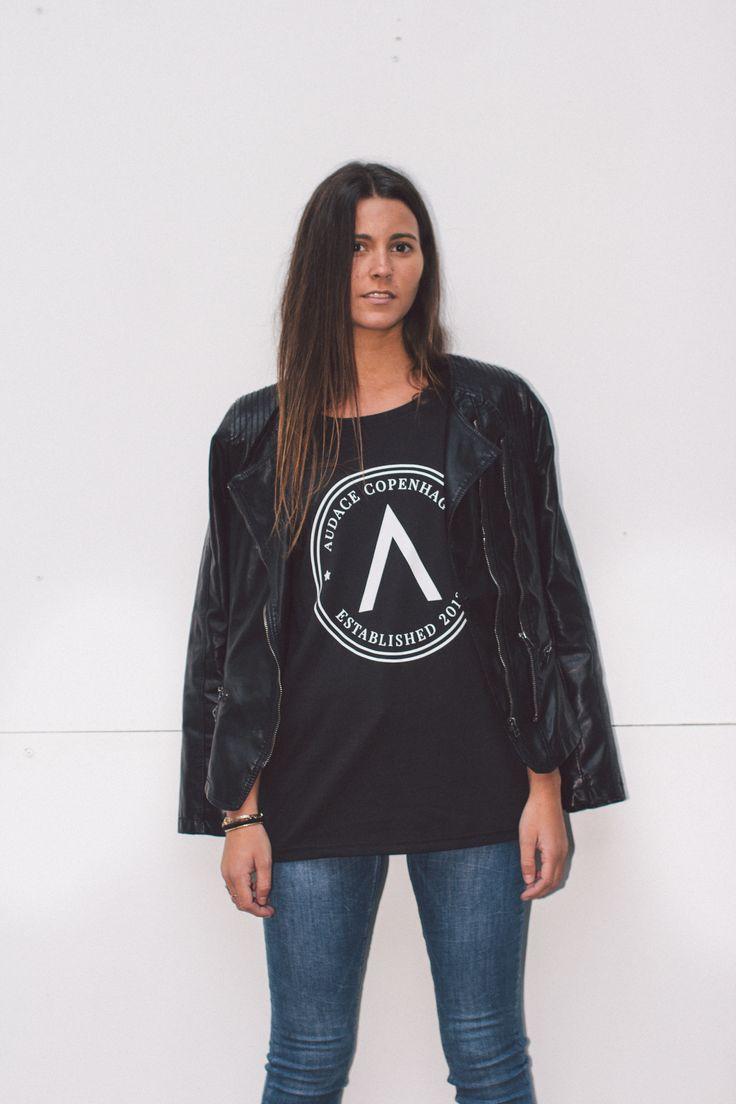 Unisex black ''Badge'' T-shirt from Audace Copenhagen - 100% Cotton http://www.audace.dk/collections/t-shirts/products/audace-copenhagen-t-shirt-a-badge-black