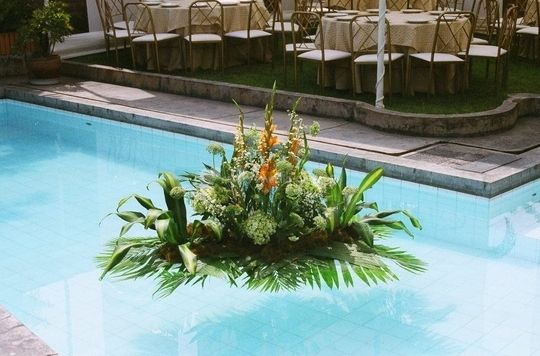 Arreglo para piscina de Flores Vip   Foto 11