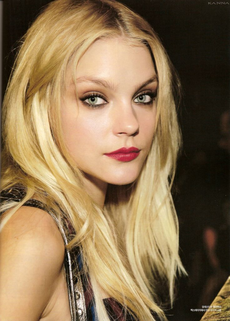 Jessica Stam's make up is immaculate. ♥