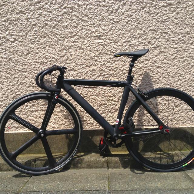 I got Aerospoke & new saddle(Selle Italia Flite) last week.(In Japan I must install a brake, because it's law.)