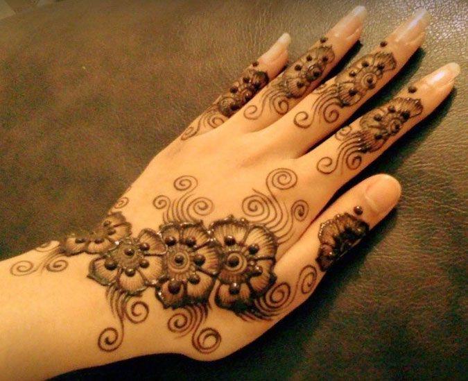 Delicate henna
