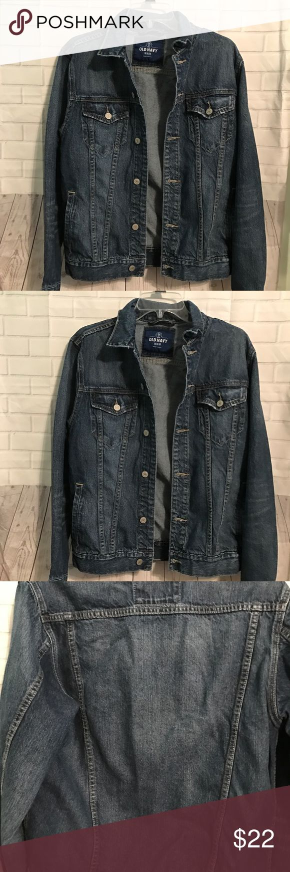 Old Navy Women Jean Jacket This is a cute button up Jean Jacket with pockets Old Navy Jackets & Coats Jean Jackets