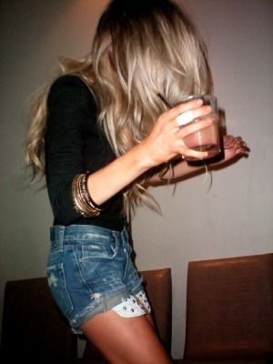 long sleeve black high waisted jean shorts and hair color!