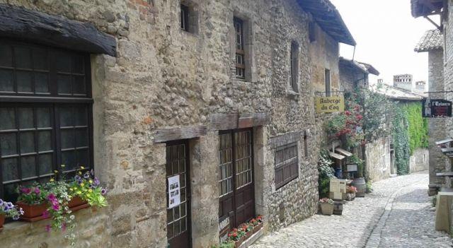 Chambre d hotes Chez Françoise - #BedandBreakfasts - EUR 60 - #Hotels #Frankreich #Pérouges http://www.justigo.lu/hotels/france/perouges/chez-francoise-perouges_54813.html