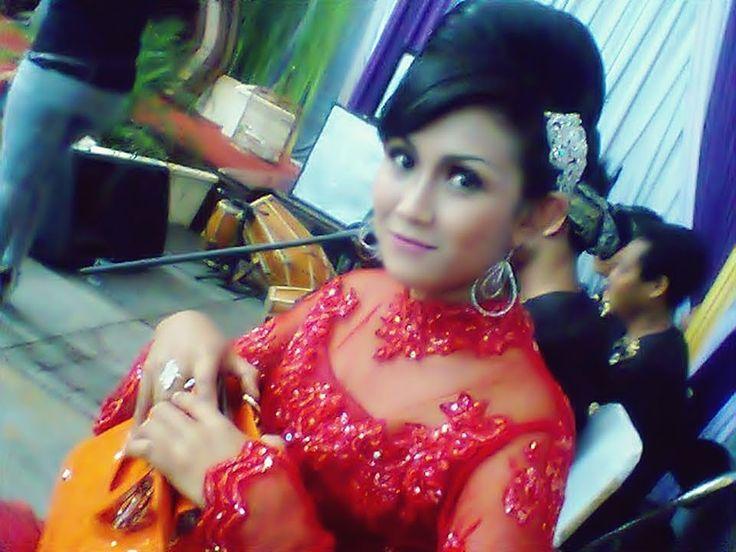 Dewi Rahmawati : Jamparing Langit (Pop Sunda) Live