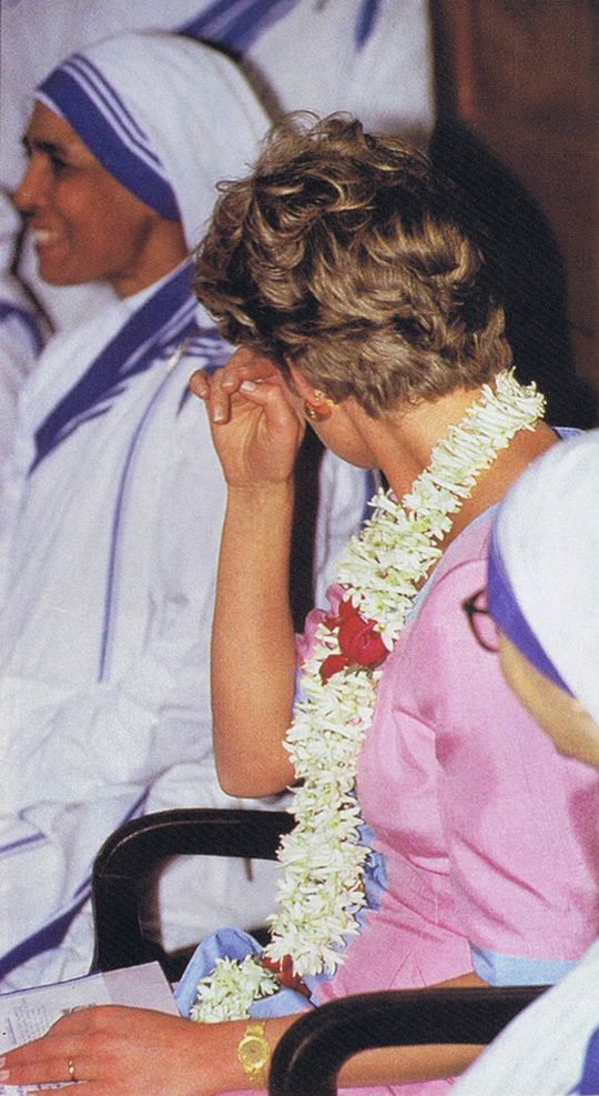 February 15, 1992: Princess Diana during her visit to Mother Teresa's Missionaries Of Charity convent in Calcutta.