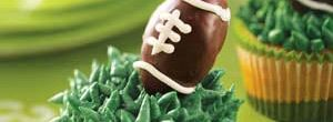 Super Bowl Recipes: Score a touchdown with the football fans in your family with these tailgate-ready Super Bowl snacks and treats. Create your own Super Bowl party menu with appetizers, side dishes, main dishes and dessert recipes.