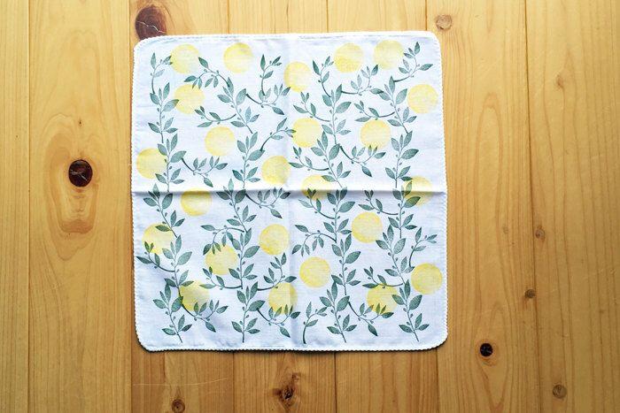 yuzu lemon tree handkerchief. japanese tenugui hand towel. ladies' hankie. pure cotton baby wipe. hand stamped body cloth. birthday gifts by talktothesun on Etsy https://www.etsy.com/listing/463459841/yuzu-lemon-tree-handkerchief-japanese