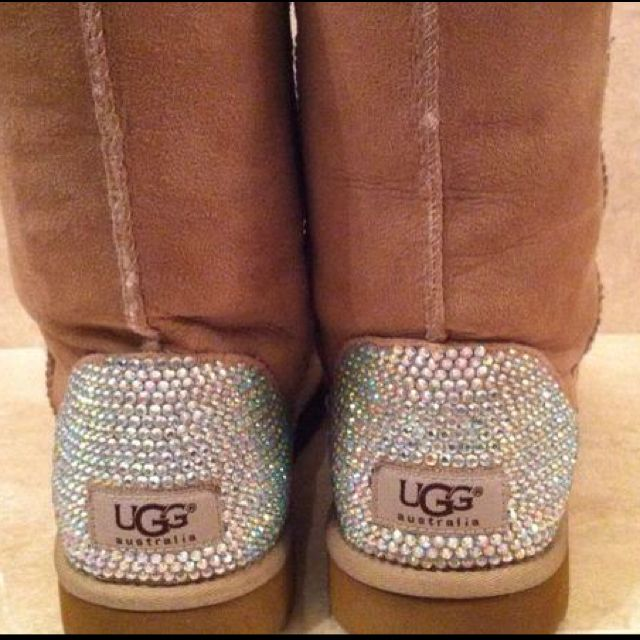 sparkly UGG boots! O-M-G..