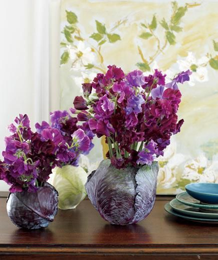 The rich tones of sweet peas and cabbages (yes, cabbages) work together beautifully in a creative combination. Centerpiece ideas