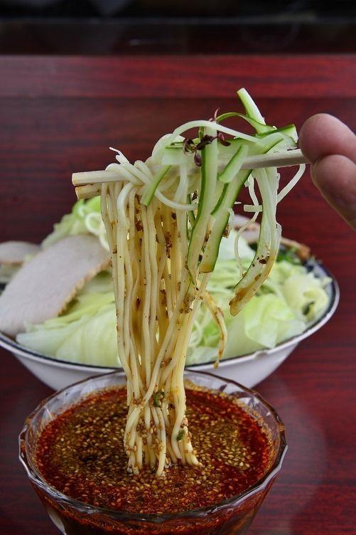 ■広島名物辛い冷麺の元祖「新華園」
