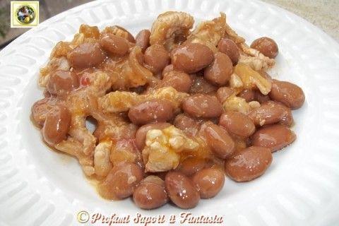Straccetti di pollo con cipolla e fagioli