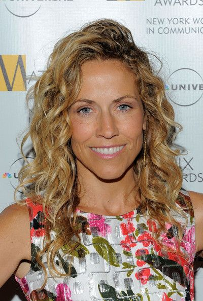 Sheryl Crow's Tight Curls - Medium-Length Hairstyles for Women Over 50 - Photos