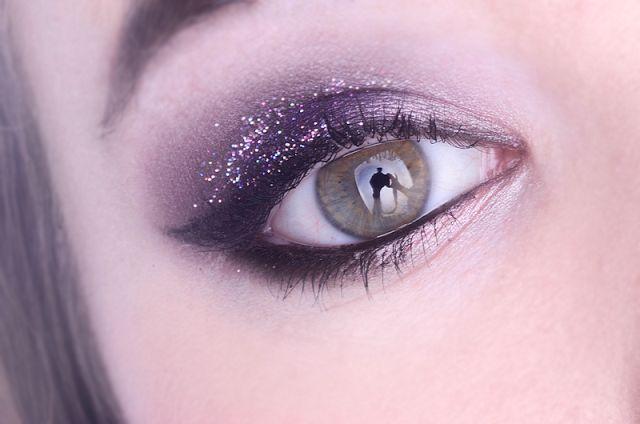Make Up Maquillage de fêtes Paillettes Violet Smocky Eyes