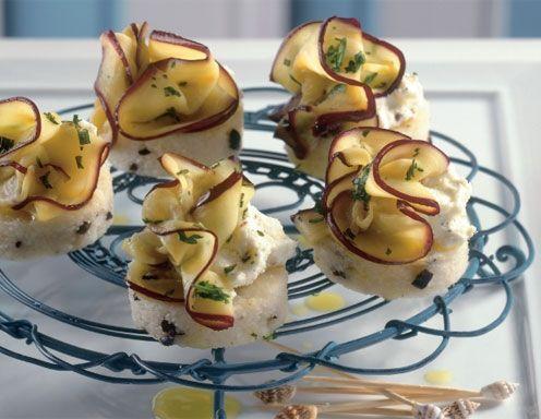 Oliven-Grießtörtchen mit marinierten Melanzani - Rezept - ichkoche.at