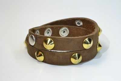 Golden Pyramids #bracelet #fashion #studswagon