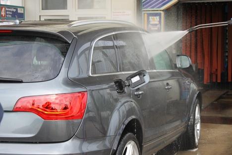 Spezialisieren Sie sich auf die Fahrzeugaußenaufbereitung. Die Weiterbildung ist zu 100 % förderfähig!