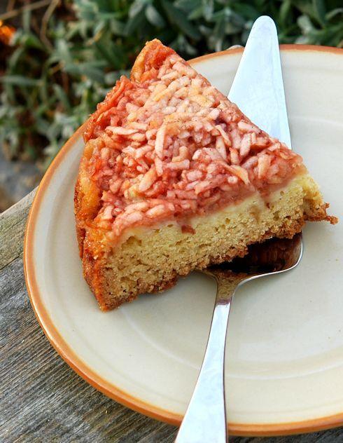 Яблочный пирог с брусничным вареньем