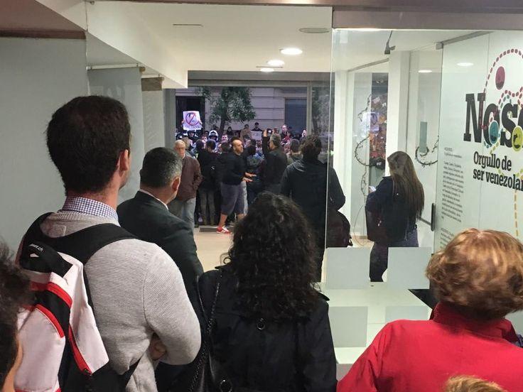 Secuestro en Madrid, Comité de Víctimas de la Guarimba y el Golpe Continuado, Extrema derecha venezolana, revolución bolivariana, Mario Isea