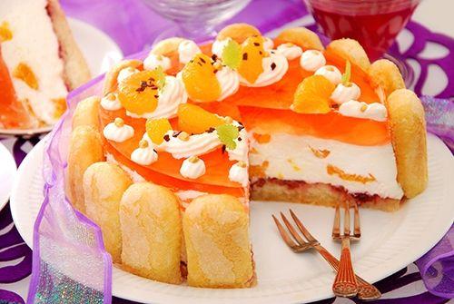 Pastel de Crema Batida y Gelatina de Naranja Te enseñamos a cocinar recetas fáciles cómo la receta de Pastel de Crema Batida y Gelatina de Naranja y muchas otras recetas de cocina..