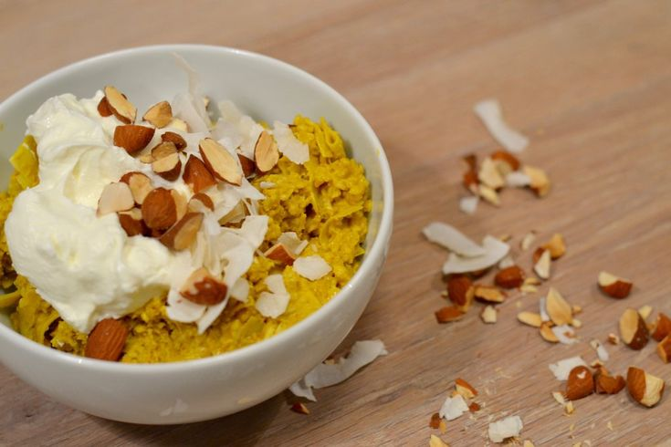 Overnight oats with golden milk! #tumeric #goldenmilk #overnightoats