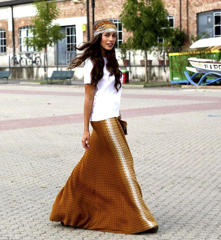 Długie spódnice, street fashion, fot. Imaxtree