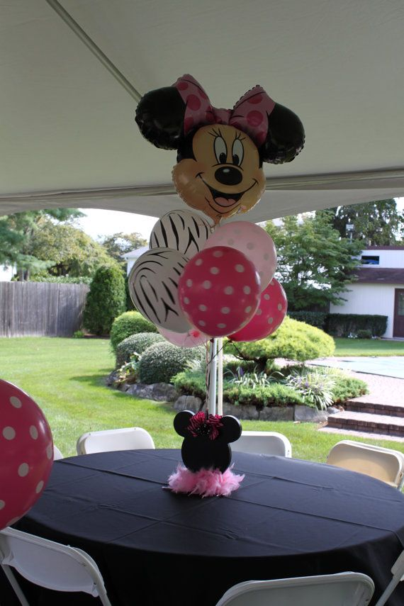 minnie mouse centerpiece (without the zebra...)