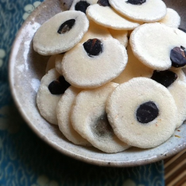 """Kuromame-Ebisen"" ( Japanse sweets  )  Photo by Hideki Tazawa"