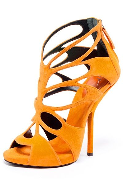 Giuseppe Zanotti,  nice lines, color is exceptionally bold
