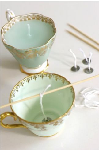 These homemade teacup candles are the perfect holiday gift. Whip up a few this week and see gobs more DIY gift ideas: http://blog.blinds.com/category/diy-projects