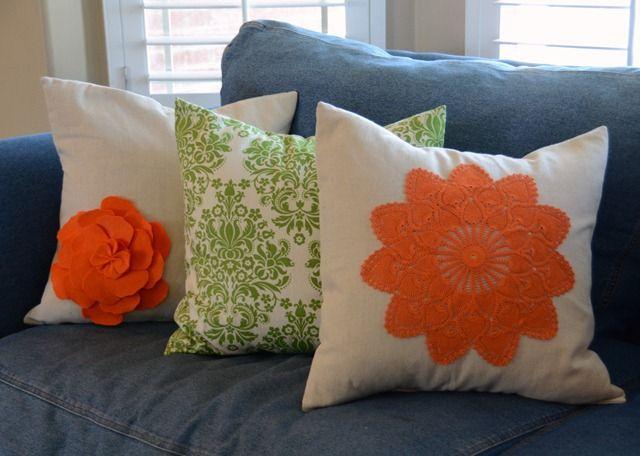 pillow tutorialDoilies Crafts, Diy Dyed, Diy Crafts, Flower Pillows, Doilies Pillows, Living Room, Doilies Inspiration, Dyed Doilies, Felt Flower