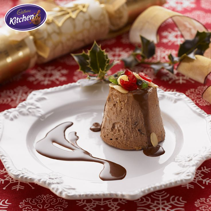 A summer Christmas means we have to adapt! This frozen treat will be the star of your Christmas spread.  #desserts #cake #chocolate #CADBURY #summer #bakingideas #summer