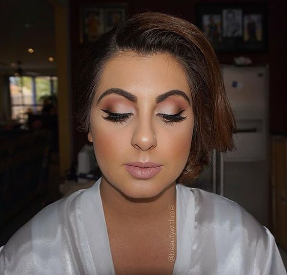 Mobile & in-studio Makeup Artist & Beauty Therapist based in Western Suburbs, Melbourne. We offer Makeup Applications, Brow Shaping, & Bio Sculpture Gel nails.