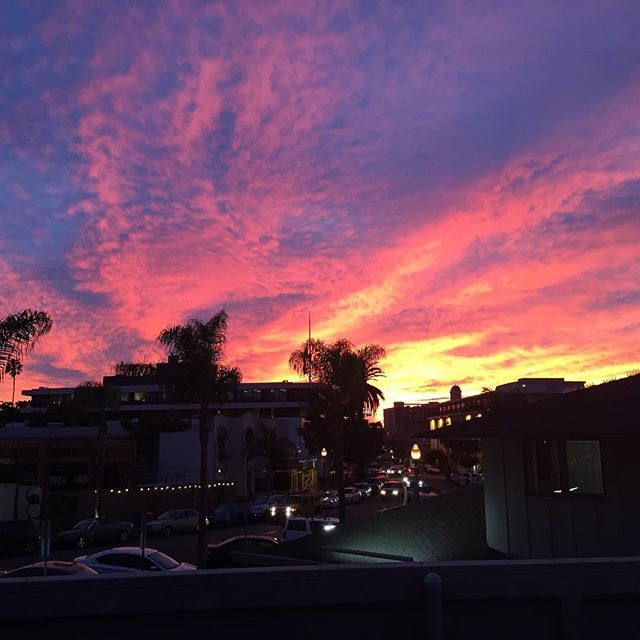 Unbelievable Sunset tonight 😍❤️ #NoFilter #LaJolla #SanDiego 📸 @stini1111 #lajollalocals #sandiegoconnection #sdlocals - posted by Amber 😊🌟  https://www.instagram.com/amberdawn32. See more post on La Jolla at http://LaJollaLocals.com