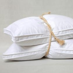 @Overstock.com - Eddie Bauer Best Medium Firm Standard-size Feather Pillow - Cradle your head in comfort with this medium-firm goose down pillow from Eddie Bauer. Constructed with a blend of white goose down and feathers, this easy-to-clean pillow is ideal for back and side sleepers and arrives with a damask pillow cover.  http://www.overstock.com/Bedding-Bath/Eddie-Bauer-Best-Medium-Firm-Standard-size-Feather-Pillow/6568494/product.html?CID=214117 $49.99
