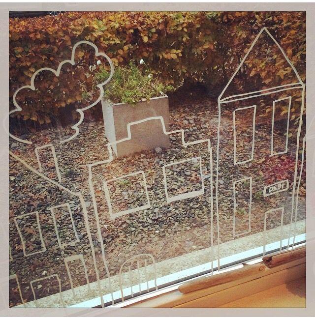 Gezellige huisjes op het raam - met krijtstift van Action
