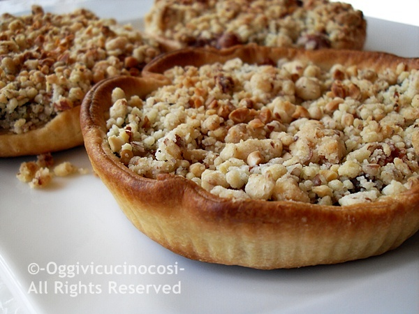 Vegetable Tartlets with Almond Crumble Curry