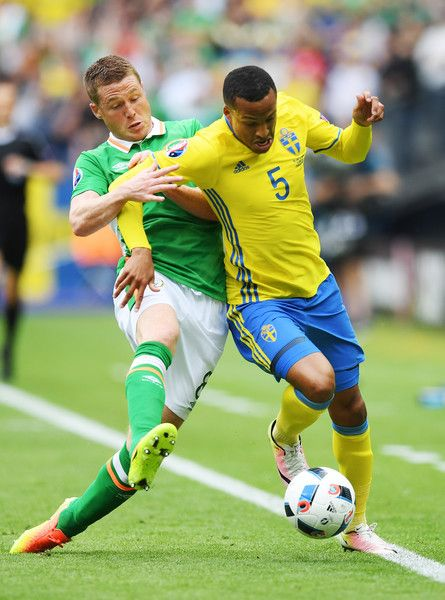 Martin Olsson of Sweden controls the ball under pressure of James McCarthy of Republic of Ireland uring the UEFA EURO 2016 Group E match between Republic of Ireland and Sweden at Stade de France on June 13, 2016 in Paris, France.