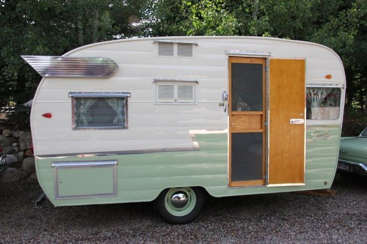 Retro Trailer Design 1961 Shasta FOR SALE