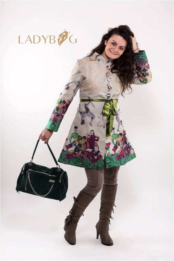 Handbag LADYBAG Iron Lady: the first multifunctional heated handbag which charges your mobile devices. BUY HERE: www.ladybag.cz